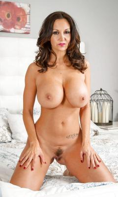 Linda lusardi first nude