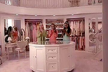 Ariana Grande - Scream Queens s1