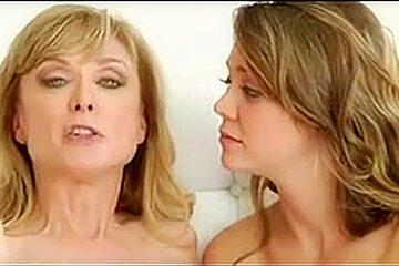 mère je voudrais baiser lui montre pourquoi cette fille est une légende