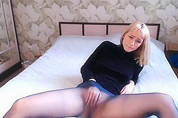 Webcam girl heather in nice mood.