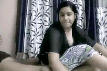 Indian girl blowjob cam show