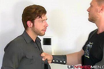 Hans Berlin & Gabriel Phoenix - UKNakedMen