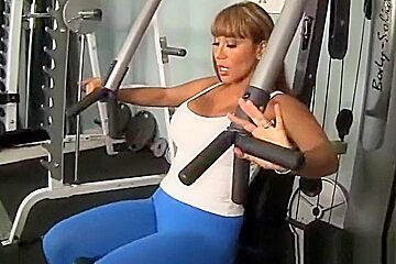 Porn godess Ava Devine fucks her instructor at the gym