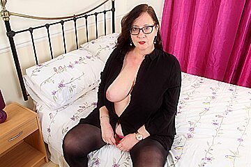 British milf Jayne Storm is built for infinite pleasure