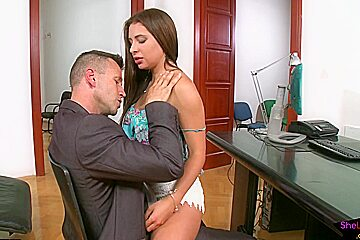 Multitasking office babe spit roasted