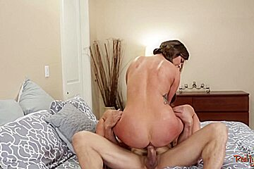 Seductive stepdaughter creampied and drilled