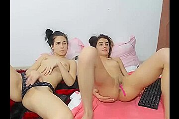 Me and My Sister Live on Cam Masturbating