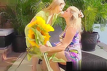Lesbian Blondes Sunny Lane