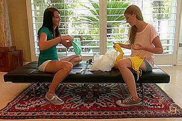 ATKGirlfriends video: Lara Brookes and Ashley Stone lead you outside for some lunch in the grass.