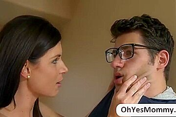 Stepmom India loves to fuck daughters bf