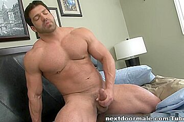 NextdoorMale Video: Vince Ferelli