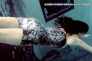 UnderwaterShow Video: Loris Licicia