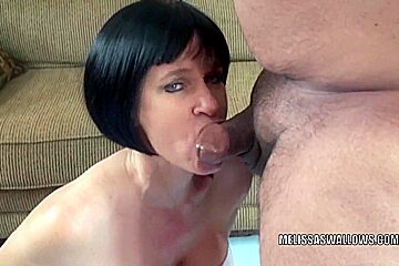 Mature slut Melissa Swallows gets her wet pussy fucked
