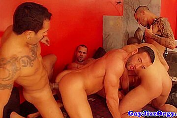 Gay orgy with loving hunks