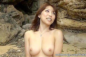 Yuuko Shiraki hot milf sex at the beach in public