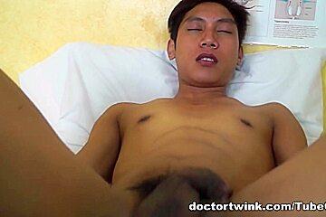 DoctorTwink Video: Twink fucks doctor