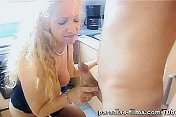 Paradise-Films Video: Lydia Get??s Turned On