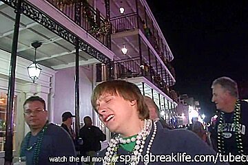 SpringBreakLife Video: Mardi Gras Street Flashers