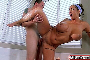 Massive hooters mother i'd like to fuck Eva Notty wet crack drilled in bathtub