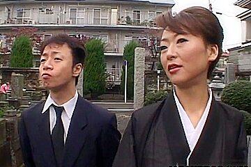 Mature widow horny blowjob and creampie Reina Matsuyuki