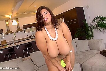 Sofia Rose is a bbw who wants to suck dick