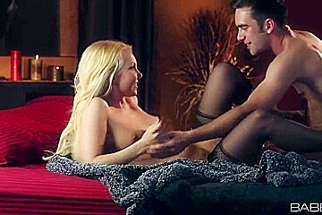 Beautiful Aaliyah Love gets licked by lover