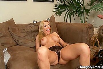 Oral sex between Tanya Tate and Xander Corvus