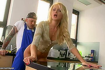 Ivana Sugar is banged by a thuggish plumber