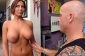 Madison Ivy visits spa salon for a relaxational massage after hard working week