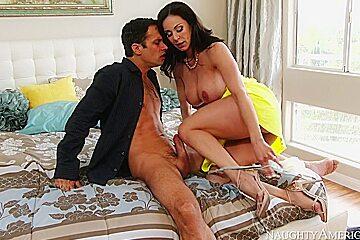 Kendra Lust & Alan Stafford in My Friends Hot Mom