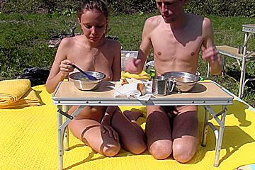Princess Clover in outdoor amateur video of a hot chick masturbating