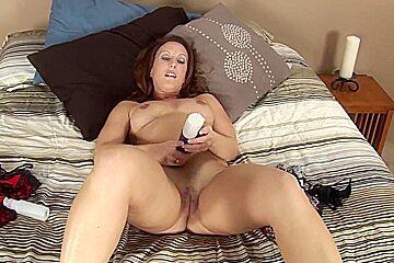 Mature housewife Charlie masturbates with a vibrator