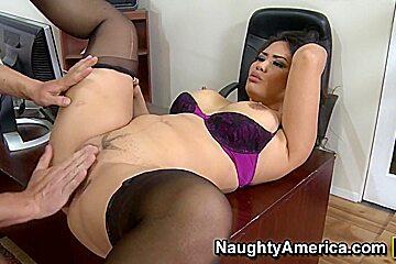Jessica Bangkok & Will Powers in Naughty Office