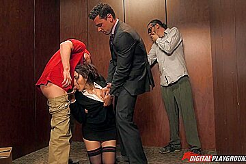 Ryan Driller, Seth Gamble & Valentina Nappi in Everyone Going Down?