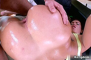 Kelsi Monroe in Big ass Kelsi Monroe doing anal Video