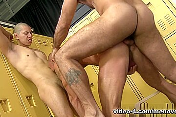 Alessio Romero & Matt Stevens & Benjamin Bronx in Gym Buddies Video