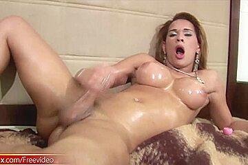 Leaked FULL movie of TS finger fucking her asshole