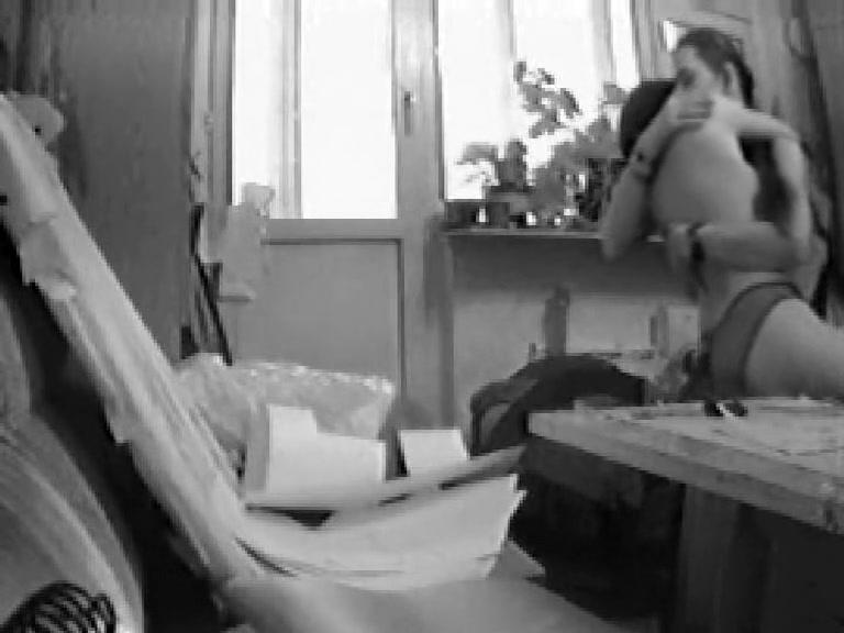 Скрытая камера домашний лесбиянки, мужик сосет сиську савю девушка секс