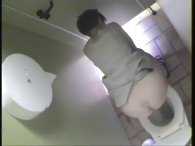 Mature woman peeing in a public toilet caught by a voyuer Lesbian Pov Massage VirtualXPorn