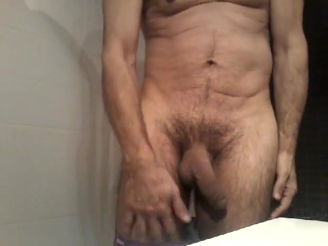 Sous la douche Nude shemale shower