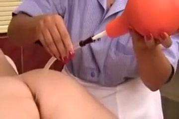 Porn shemale fucking lesbian