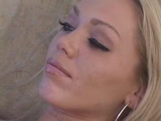 Sexual orgies lesbien Peeing