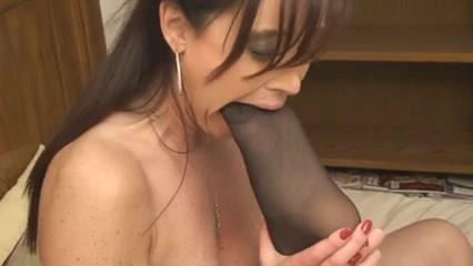 Lesbiian fucks orgasm Latinas