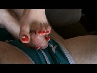 Hawt toes doing a footjob Find you milf com