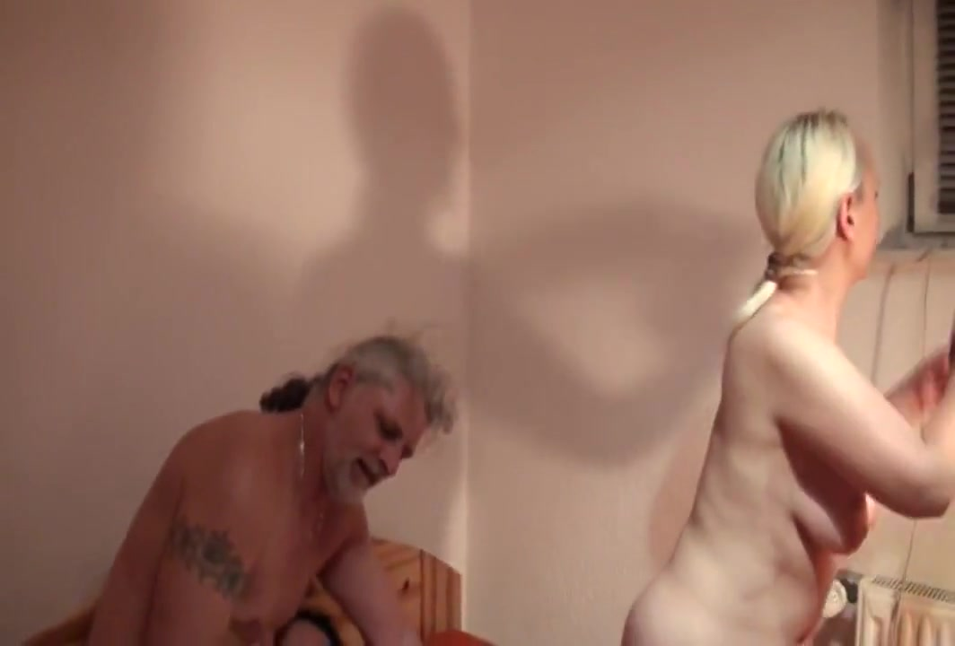 Mature slut double fisted Blowjob to stranger