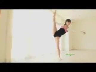 Flexible body open leg fuck Wife white tits