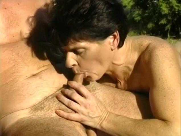 Vidios Lesbain sexi orgasim
