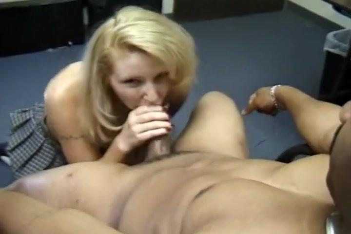 Prick Pumping Whore Gives Knob A Job