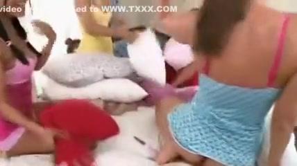 Tubs Lesbiah sexu licking