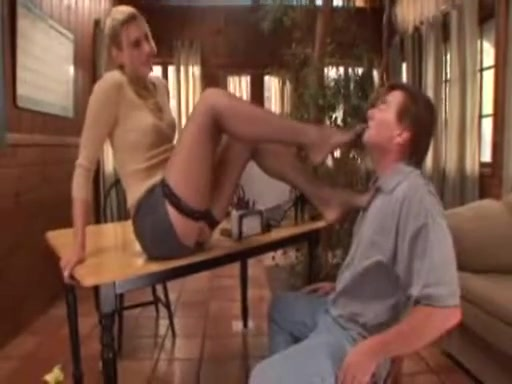 Darryl Hanah Flaunts Her Incredible Legs and Feet